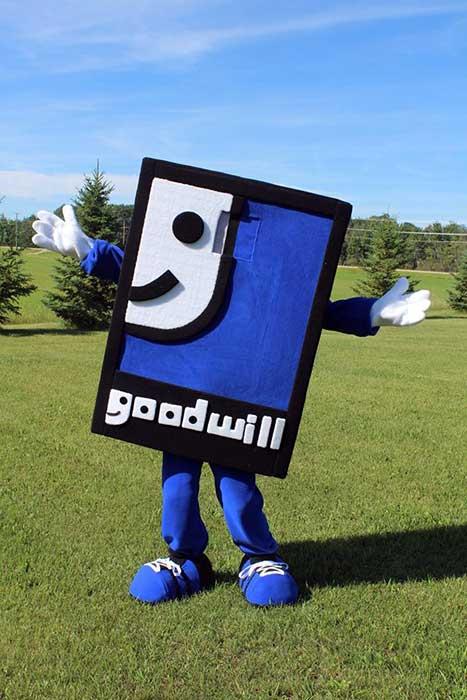 boston pizza l=mascot